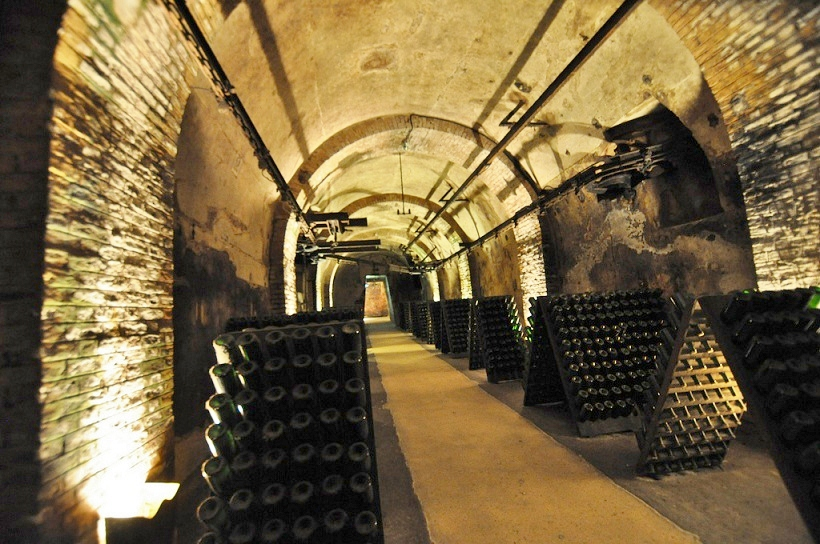 Bouteilles champagne caves pommery reims